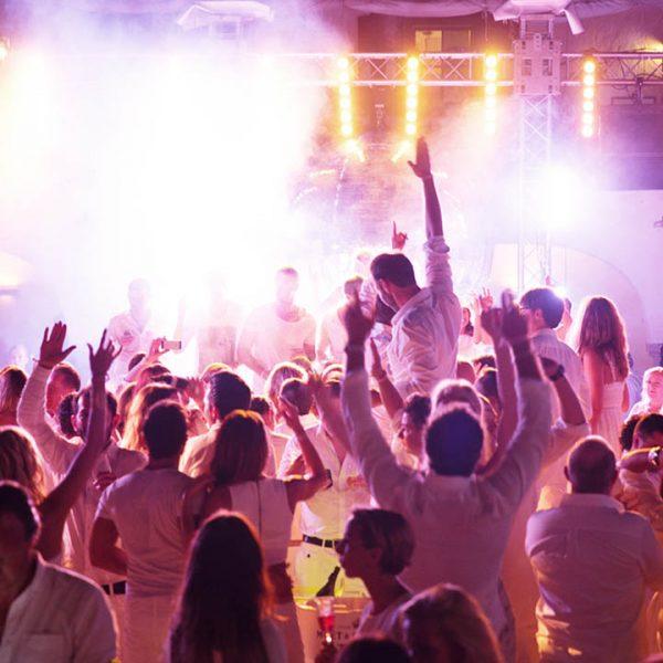 Agentur Perfect - Event- & Modelagentur in Österreich - Feiern bei der Fete Blanche in Velden